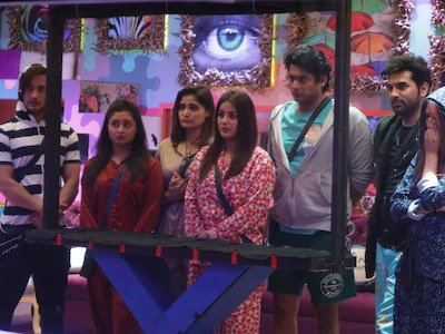 Bigg Boss Finale : Mid-week eviction with major twist [Vicky Kaushal   Bhoot Promotion]